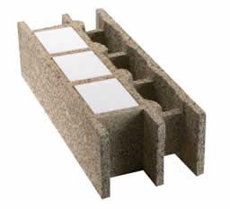 Xelis lance un nouveau bloc monomur avec isolation par l for Isolation copeaux de bois