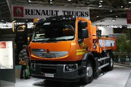 l hybride de renault trucks s duit colas construction cayola. Black Bedroom Furniture Sets. Home Design Ideas
