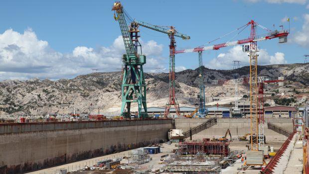 Un nouveau bateau porte pour le port de marseille construction cayola - Porte gobelet pour bateau ...