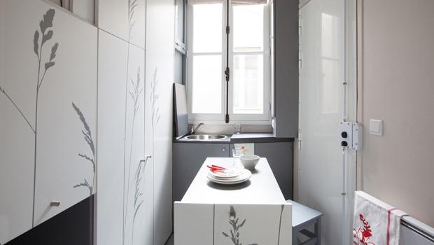 paris un cabinet d 39 architectes m tamorphose un 8 m construction cayola. Black Bedroom Furniture Sets. Home Design Ideas