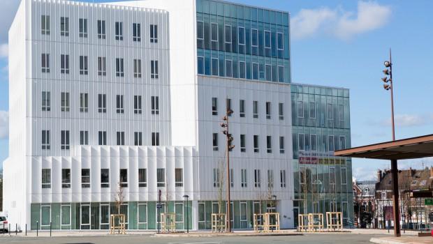 Lens nouvel immeuble de bureaux dans le quartier des gares