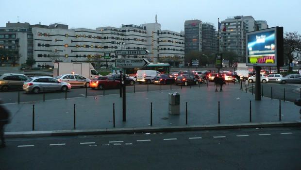 Paris repense la place de porte maillot construction cayola for La villa corse porte maillot
