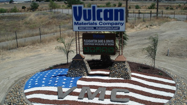Vulcan reaches an agreement to acquire Aggregates USA LLC