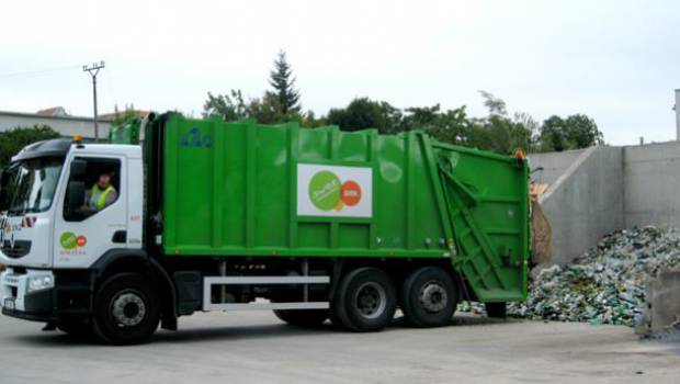 Suez wins two waste collection contracts in Australia