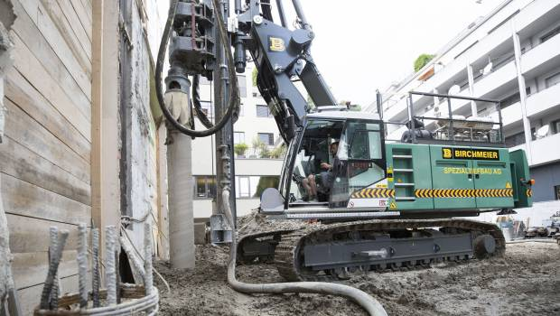 Liebherr unveils the new piling and drilling rig LRB16