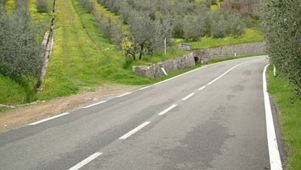 l 39 tat d sastreux des routes italiennes construction cayola. Black Bedroom Furniture Sets. Home Design Ideas