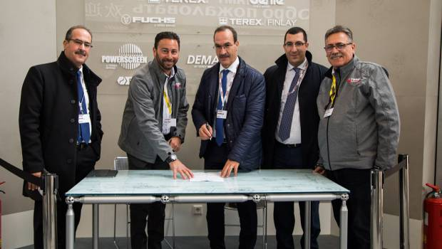 ETS Siad Automobiles commande 9 grues RT Terex
